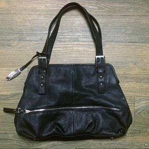 B Makosky Black Pebbled Leather Silver Purse Bag